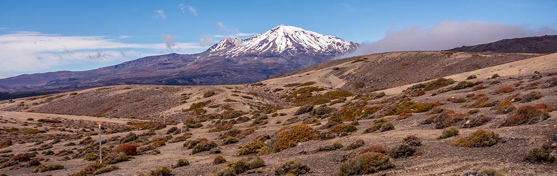 Mont Ruapehu enneigé, un volcan actif qui est le point culminant de l'Île du Nord avec 2797m d'altitude