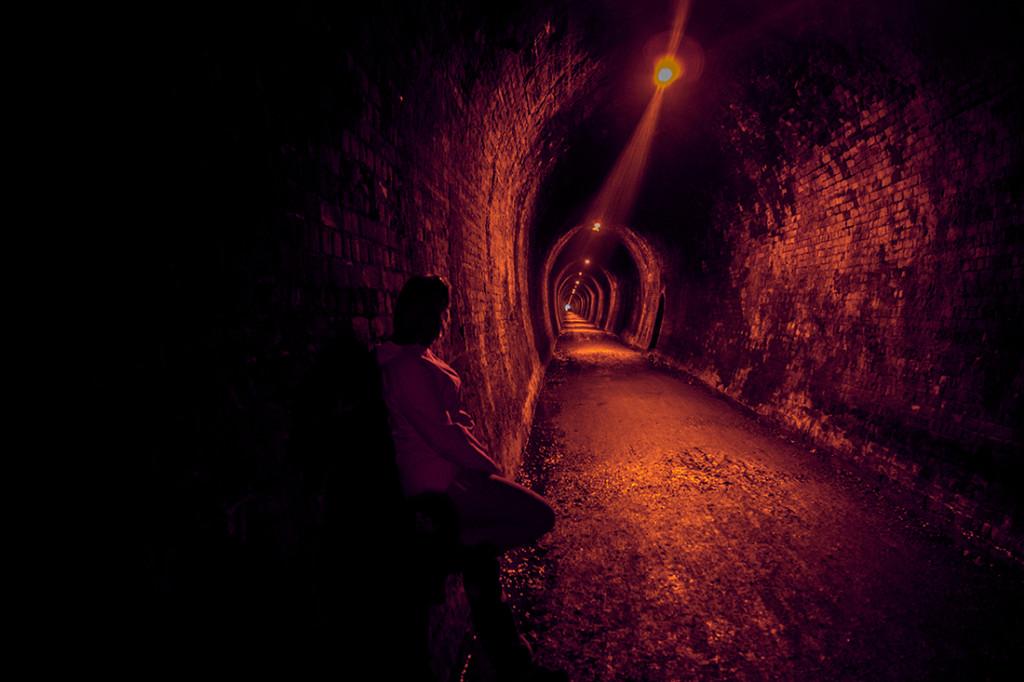À l'intérieur d'un tunnel minier.